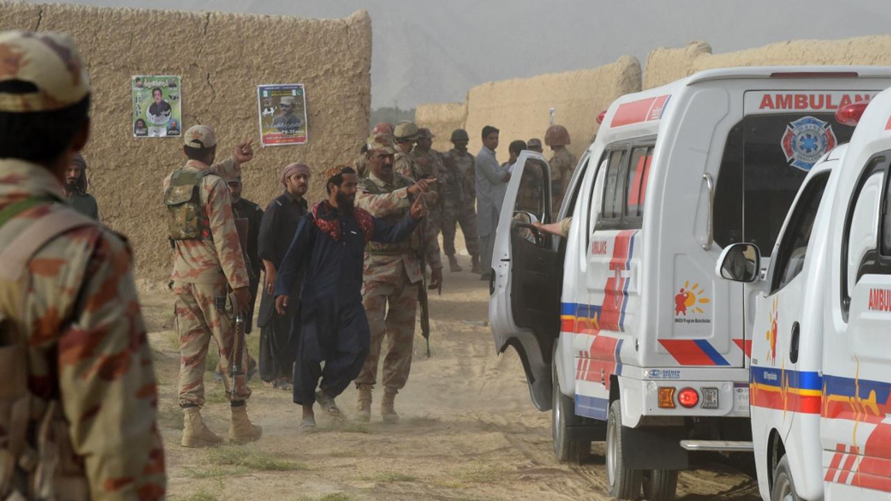 Теракт на предвыборном митинге в Пакистане – самый смертоносный за три года