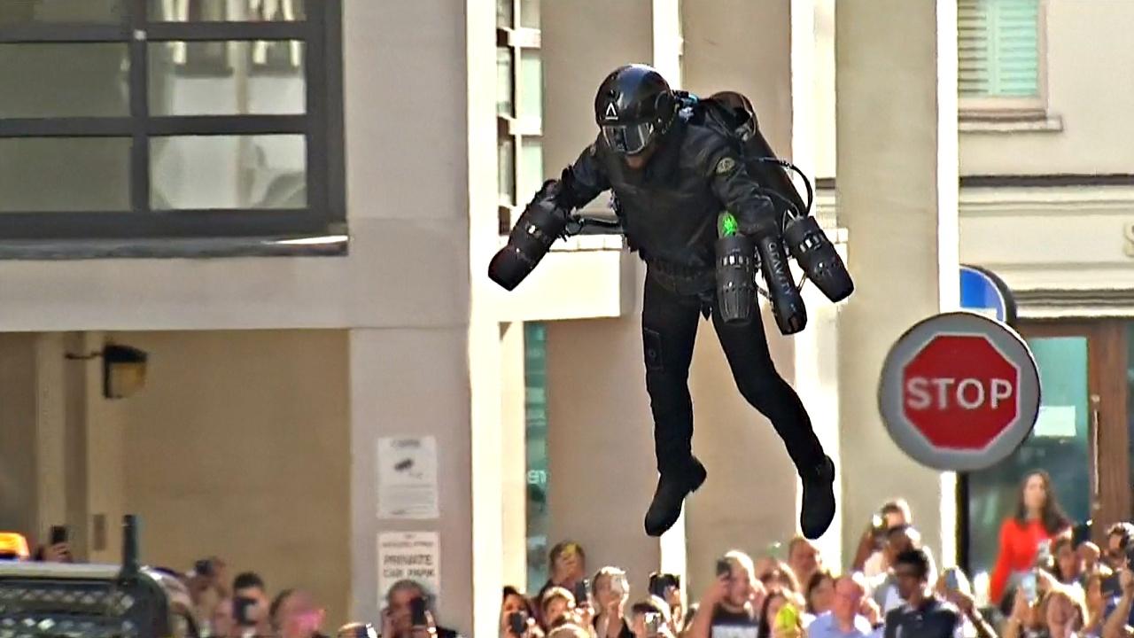 Реактивный костюм теперь можно купить в лондонском универмаге