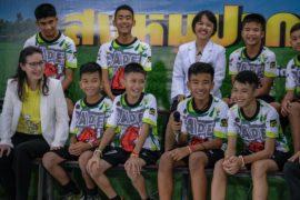 Спасённые тайские мальчики впервые пообщались с журналистами