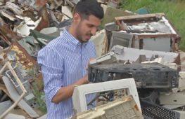 Венесуэльцы против кризиса: автодетали из пластиковых отходов