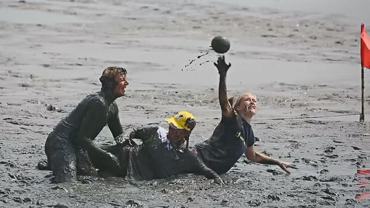 Грязные и счастливые: как в Германии прошла «Олимпиада в грязи»