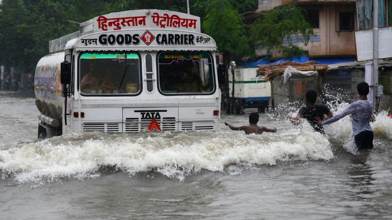 60 человек погибли в результате ливней в Индии