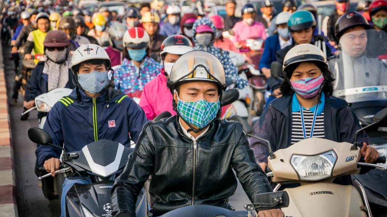 Сделать воздух чище: в столице Вьетнама запретили продавать мотоциклы