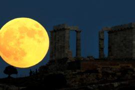 Самое долгое лунное затмение XXI века увидела большая часть землян