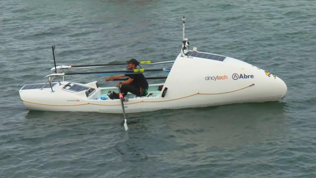 Американец побил рекорд, переплыв Атлантику