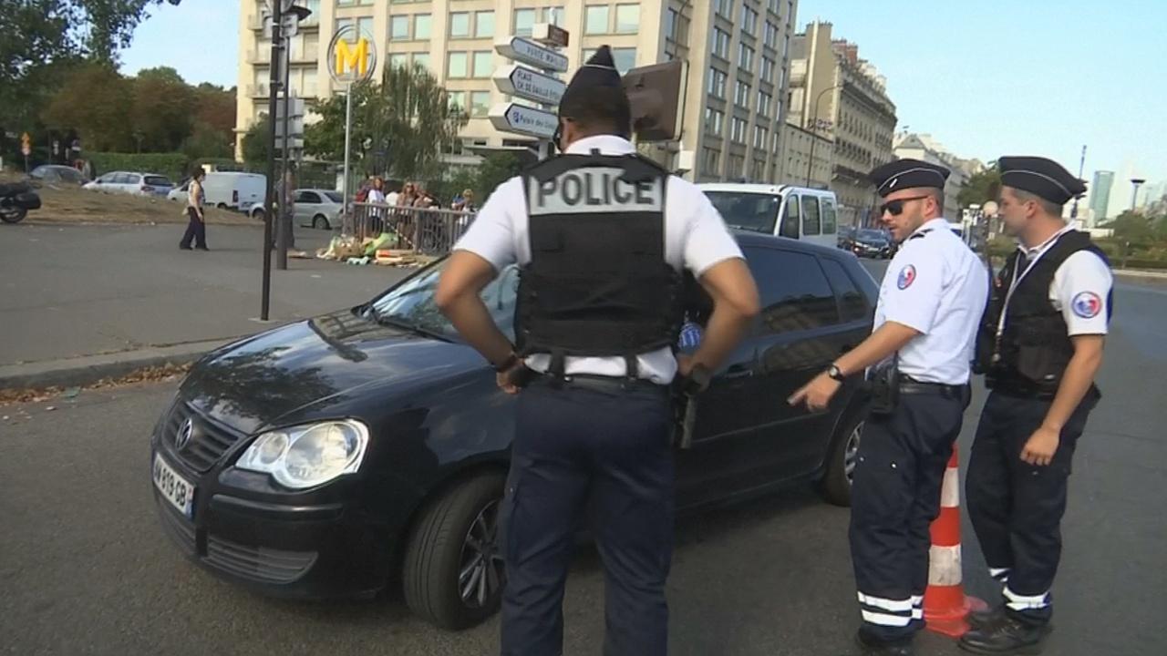 Из-за грязного воздуха в Париж не пускают некоторые автомобили