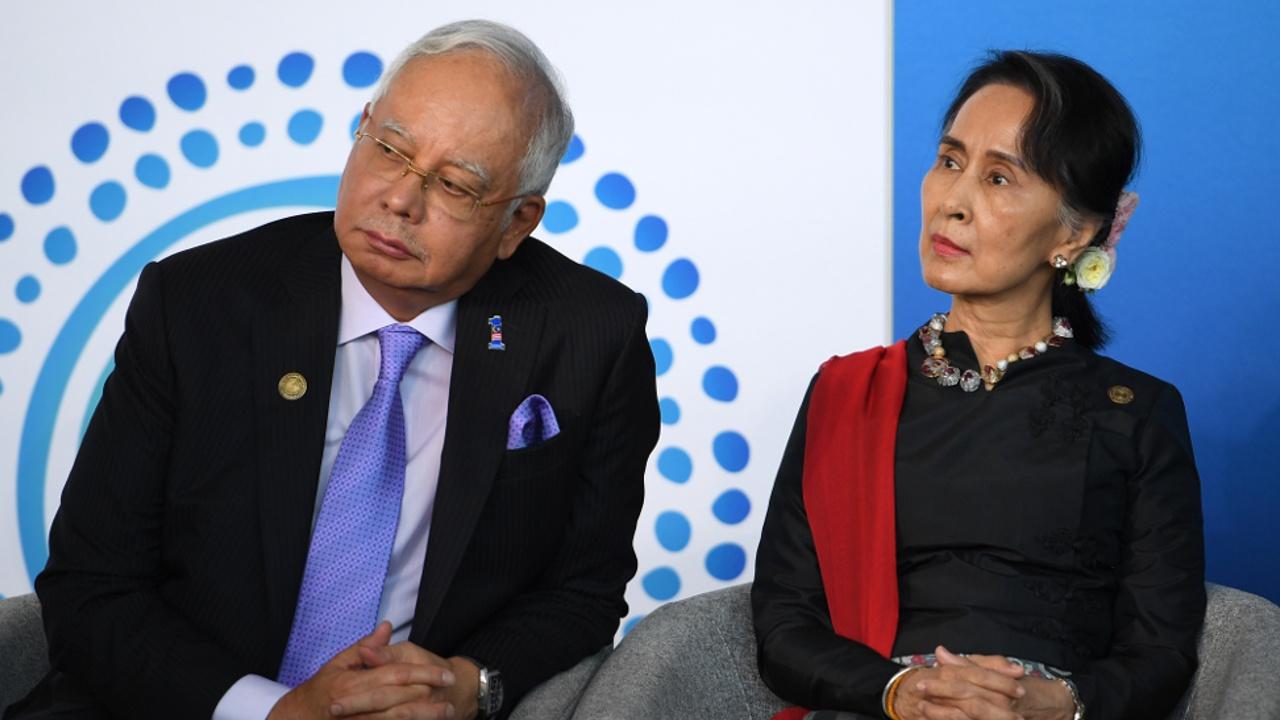Бывшего премьер-министра Малайзии обвинили в отмывании денег