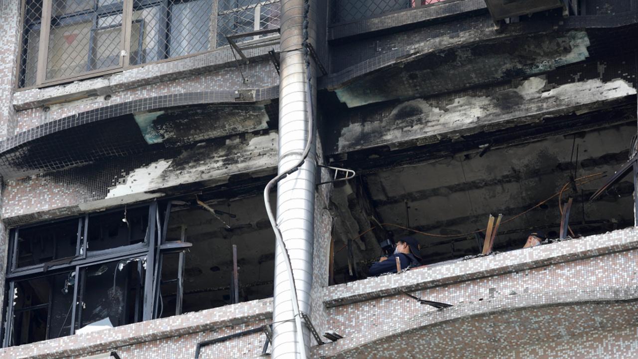 Премьер Тайваня извинился за смертоносный пожар в больнице