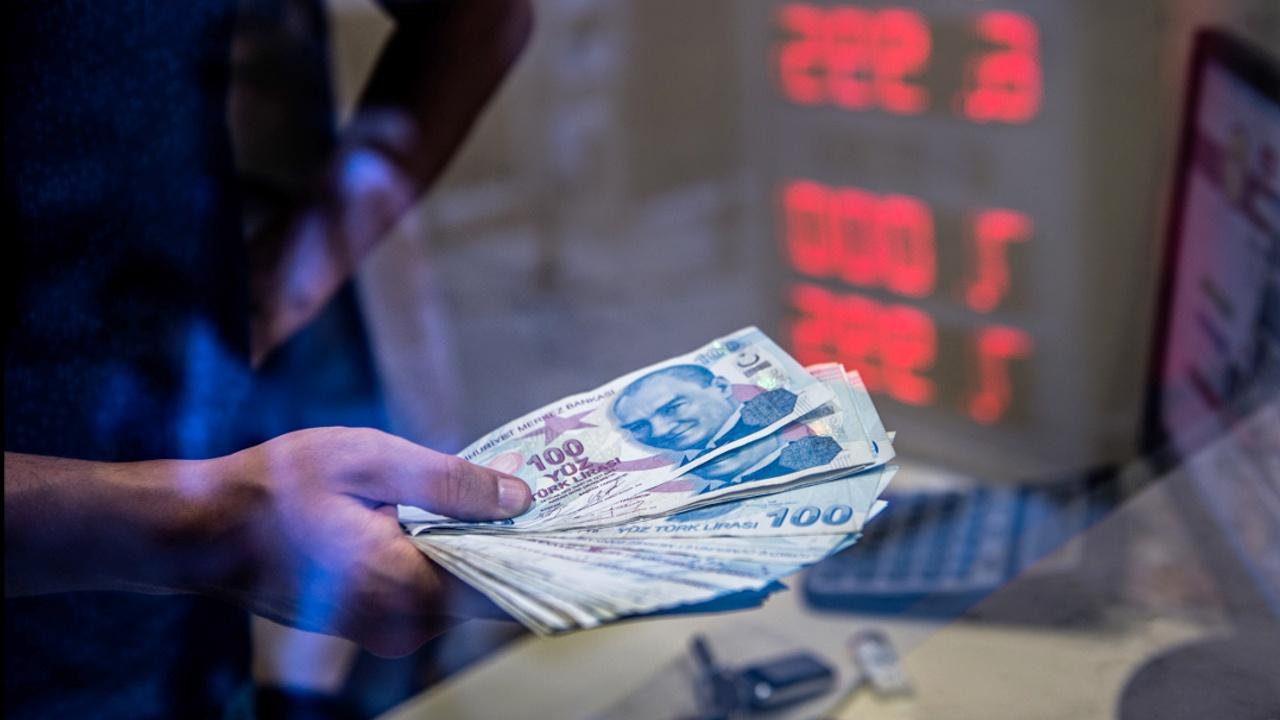Курс турецкой лиры восстановился после рекордного падения