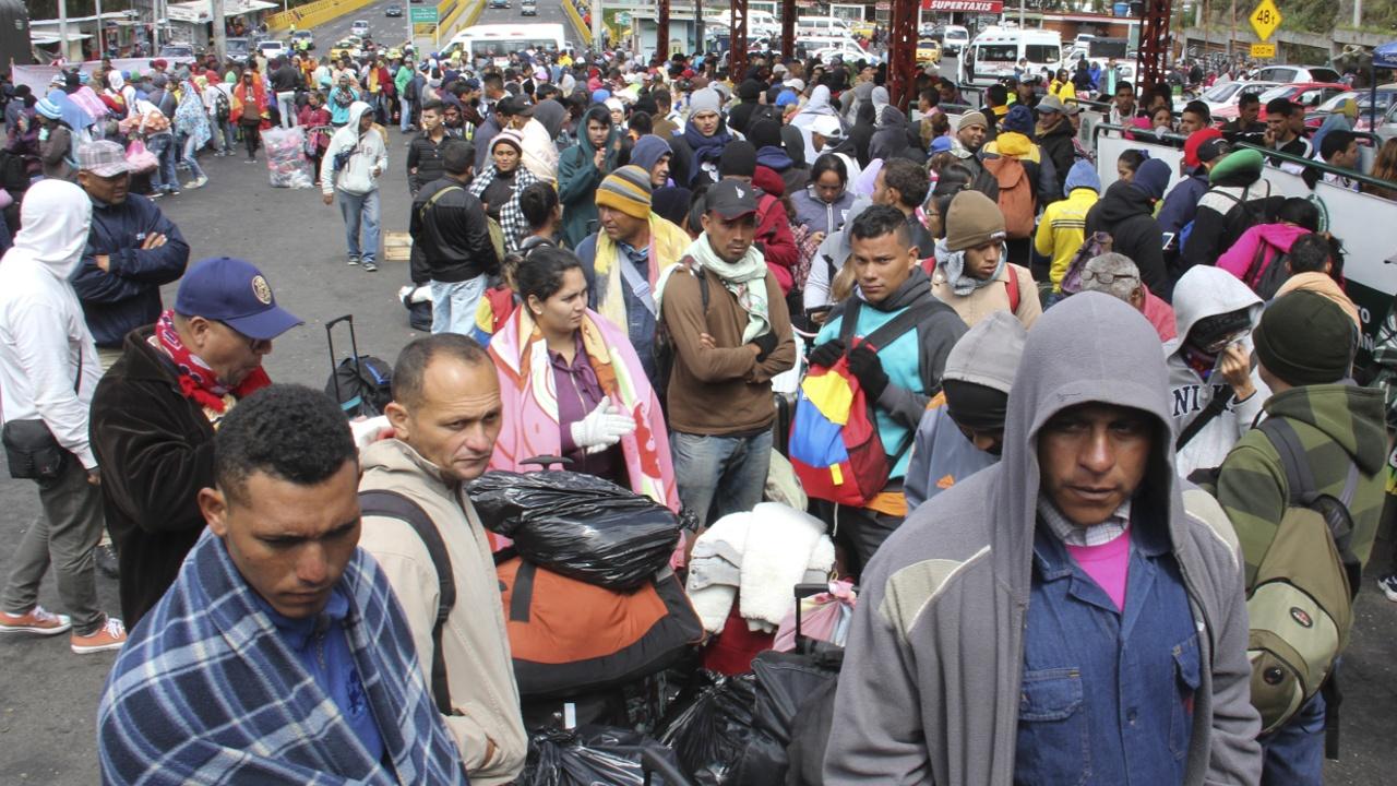 Венесуэльцев без загранпаспортов больше не впускают в Эквадор