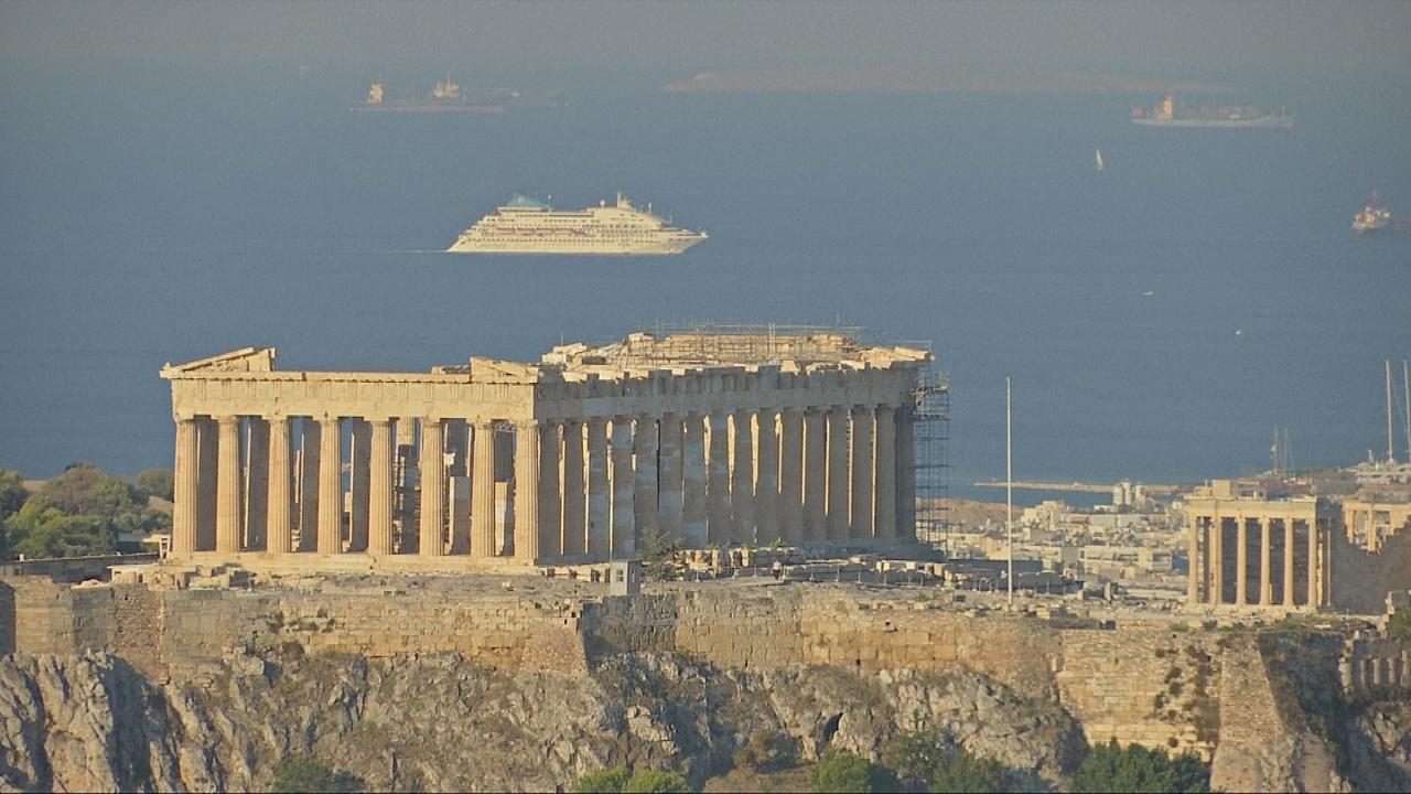 После восьми лет экономии Греция отправляется в свободное плавание