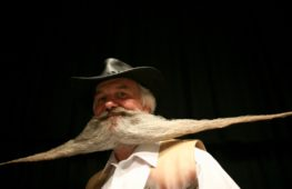 Обладатели лучших усов и бород съехались на чемпионат в Блэкпул
