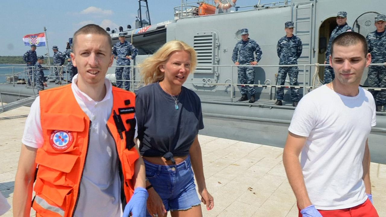 Британка упала с круизного судна и выжила после 10 часов в море