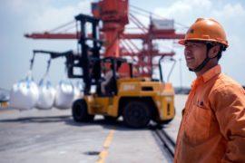 США и Китай ввели новый пакет взаимных пошлин на импорт