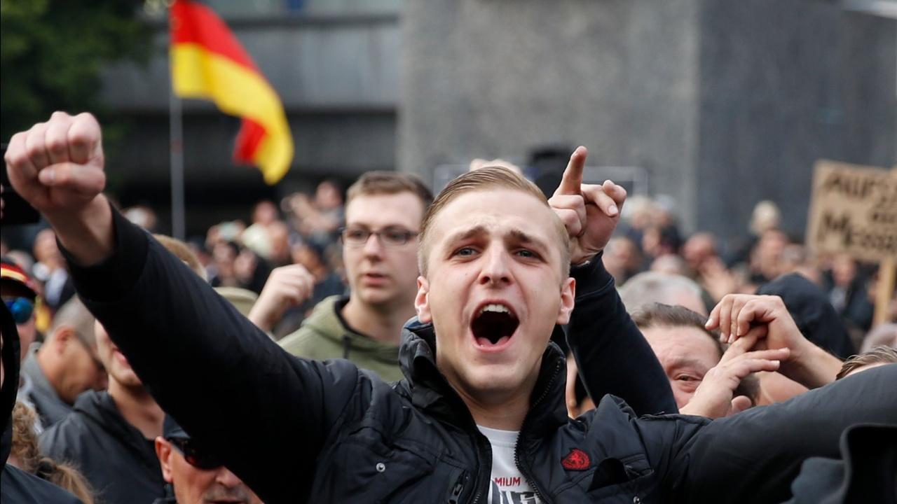 Немецкие политики осудили демонстрацию радикалов в городе Хемниц