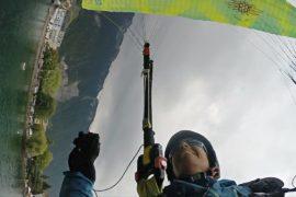 Над Женевским озером парапланеристы показывали захватывающие трюки