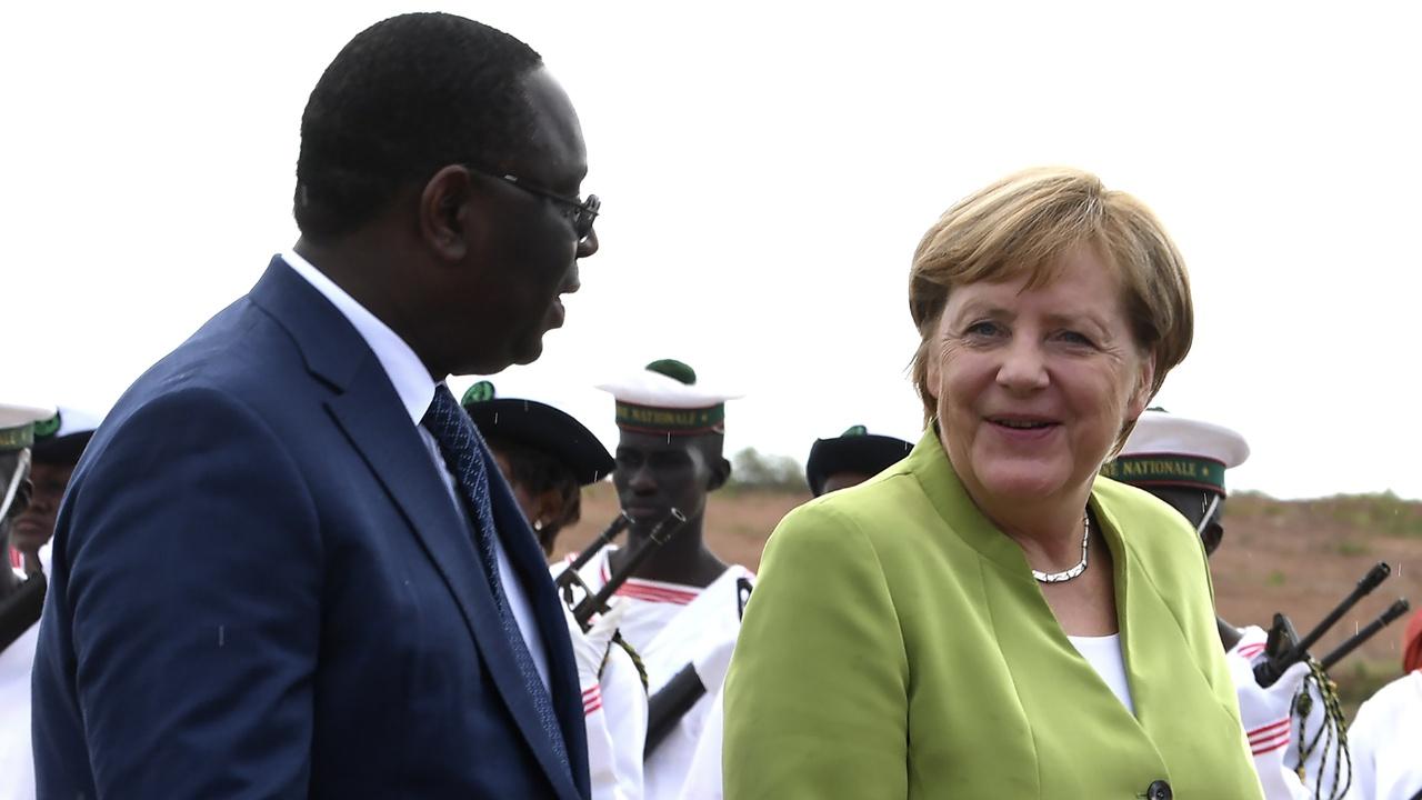 Германия содействует инвестициям в Африку, чтобы сократить миграцию молодёжи