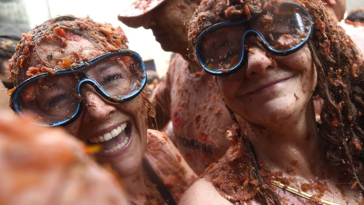 Помидорное побоище: в Испании прошёл фестиваль «Томатина»