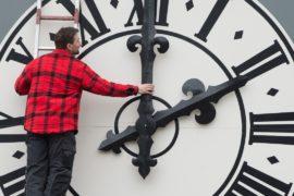 Немцы рады планам Евросоюза отказаться от перевода часов