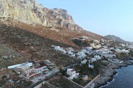 Остров Калимнос: марсианский пейзаж и отличные трассы для скалолазания
