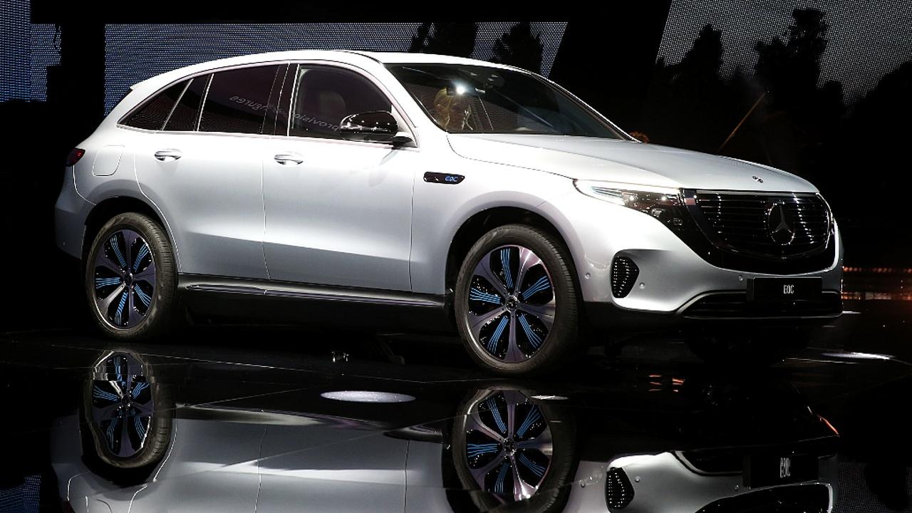 Премиальный электромобиль Mercedes-Benz EQC дебютировал в Швеции