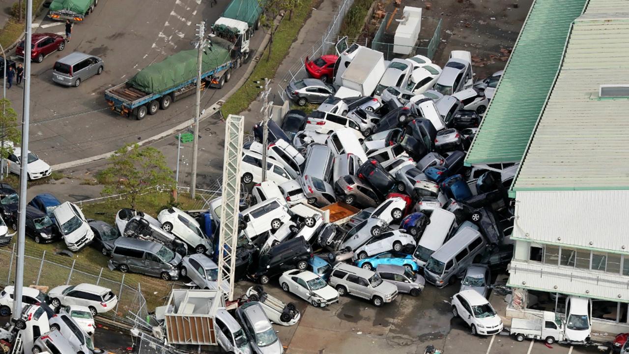 На Японию обрушился тайфун «Джеби», 10 погибших