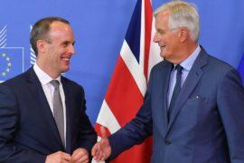 Министр по брекситу обещает договор в обозримом будущем, законодатели не так оптимистичны