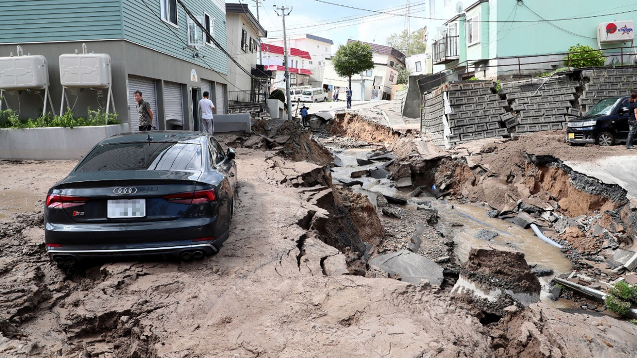 youtube japan landslide earthquake today - 1024×683