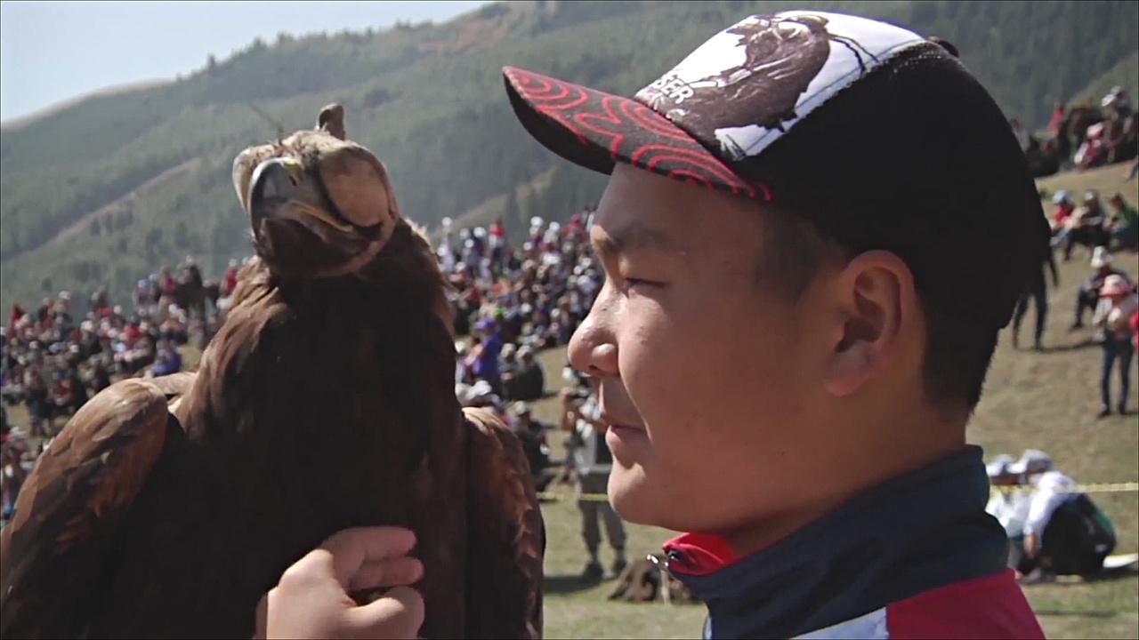 Соколиная охота, песни и верблюды: как проходят игры кочевников
