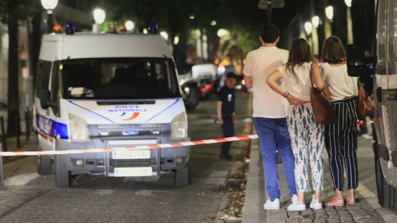 В Париже злоумышленник ранил 7 человек