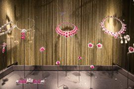 Драгоценности Элизабет Тейлор представили на выставке Bulgari в Москве