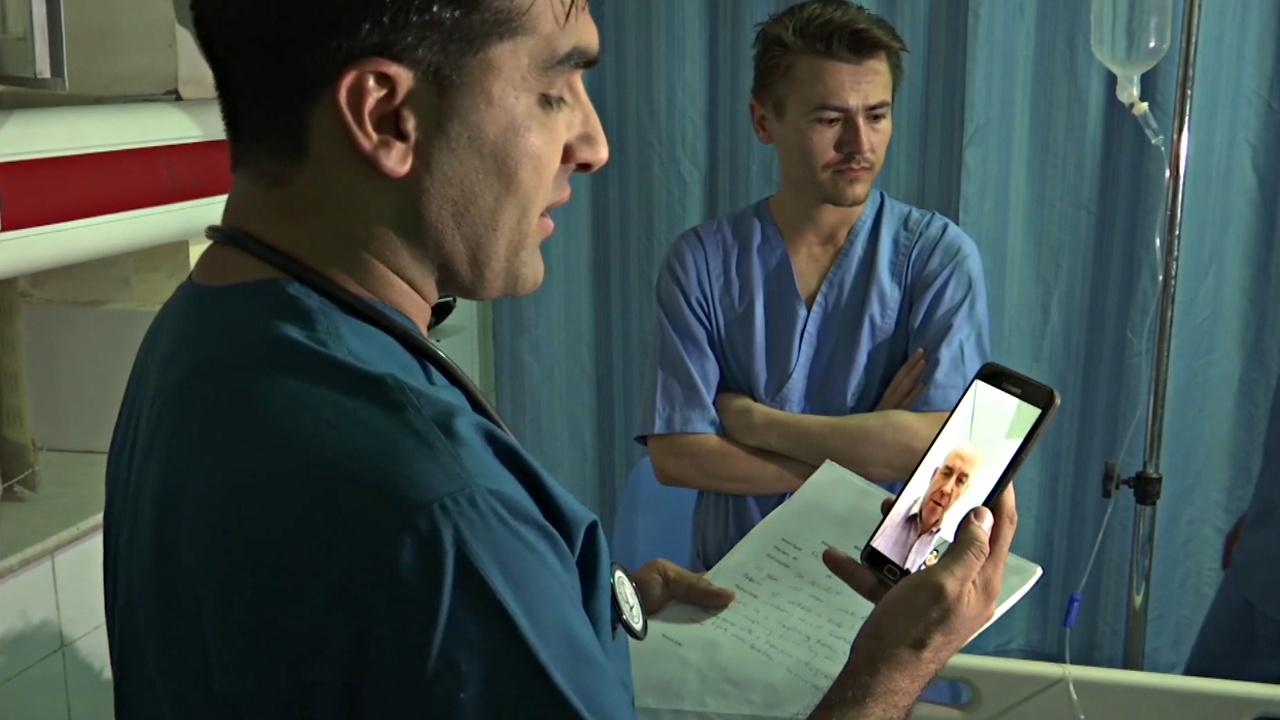 Бывший беженец помогает больным в зонах конфликтов с помощью телемедицины