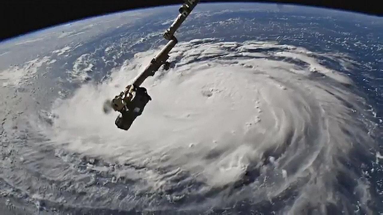 В США готовятся к сильнейшему за десятилетия урагану