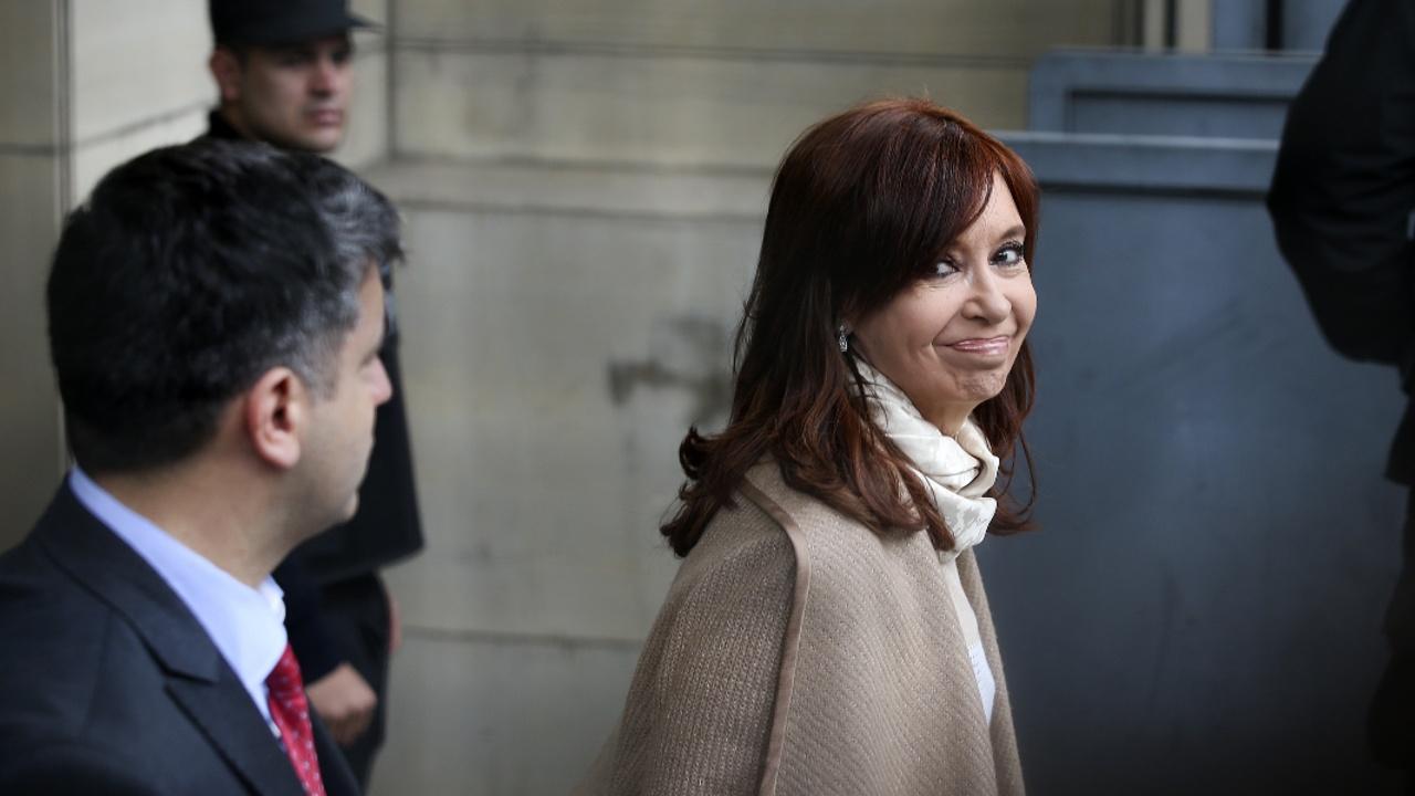 Экс-президента Аргентины Кристину Киршнер обвинили в коррупции