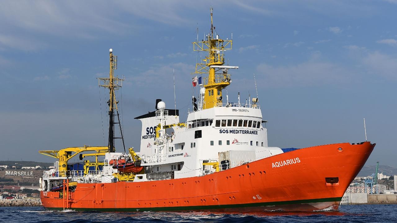 Гуманитарное судно «Водолей-2» не сможет спасать мигрантов