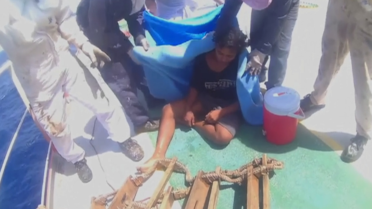 Индонезиец рассказал, как пережил 49 дней дрейфа в открытом море