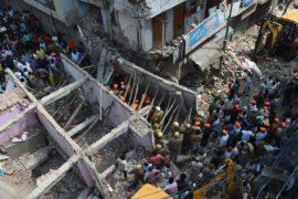 Женщина и четверо детей погибли при обрушении здания в Индии
