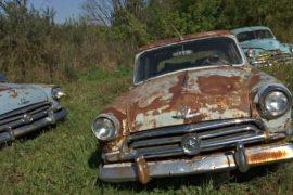 Бывший автогонщик собрал коллекцию из 300 отечественных ретро-машин