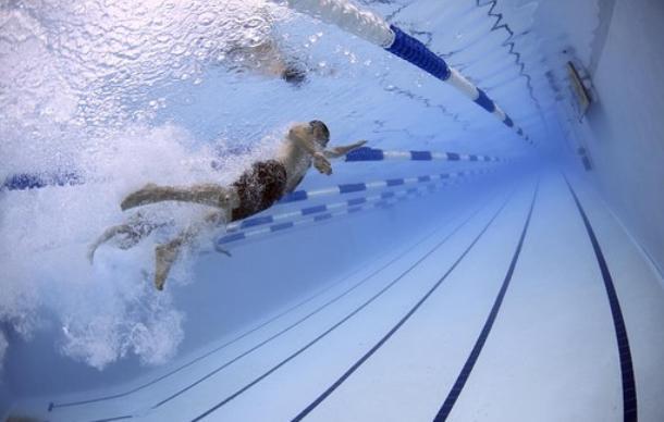 Чем полезны посещения бассейна