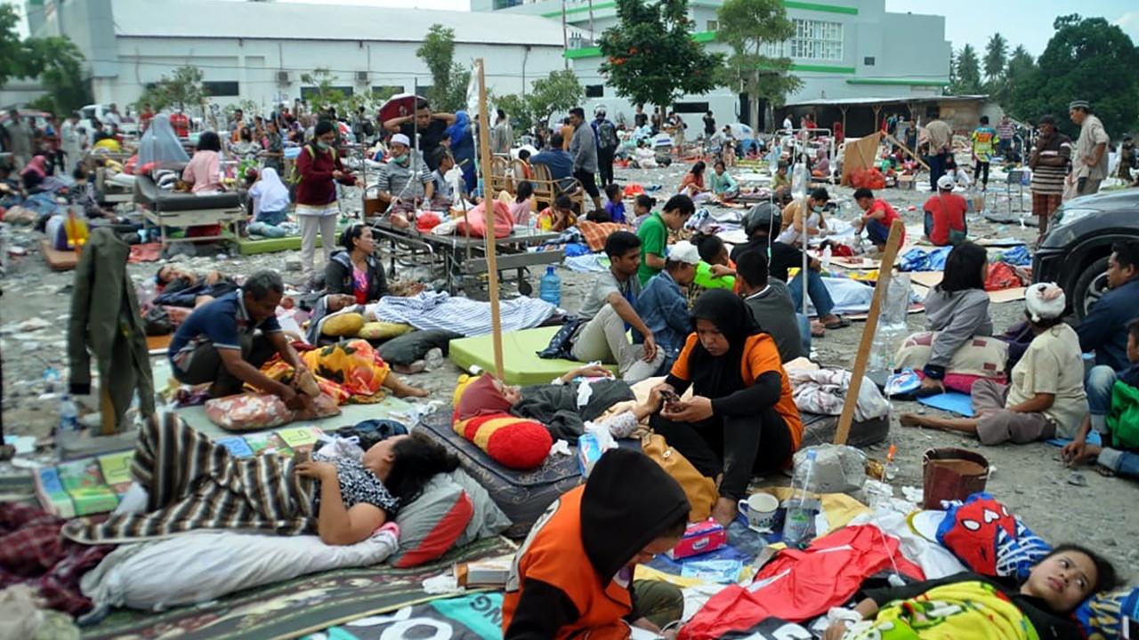 На Сулавеси продолжают разбирать завалы, число жертв растёт