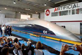 В Испании показали первый полномасштабный прототип поезда Hyperloop
