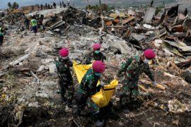Спасатели на Сулавеси торопятся разбирать завалы перед дедлайном