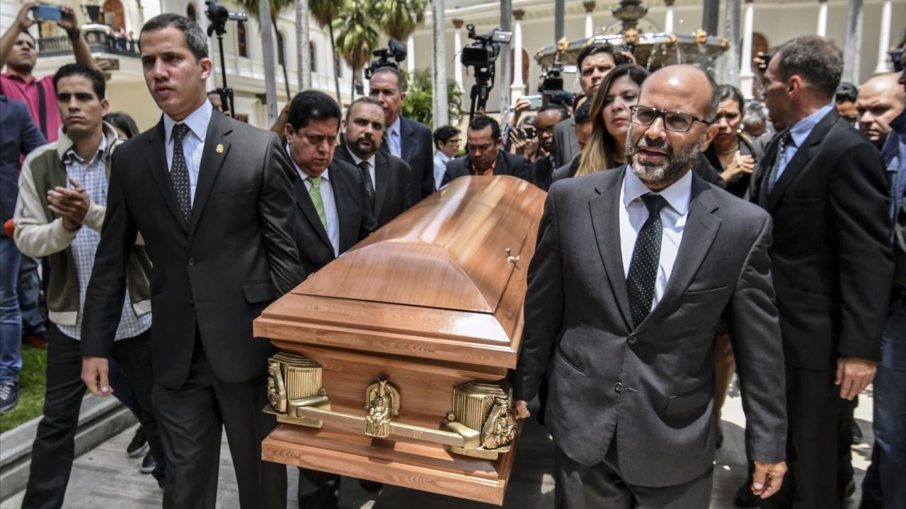 Оппозиция Венесуэлы обвинила власти в убийстве правозащитника