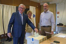 Премьер Люксембурга может сохранить свой кабинет после выборов