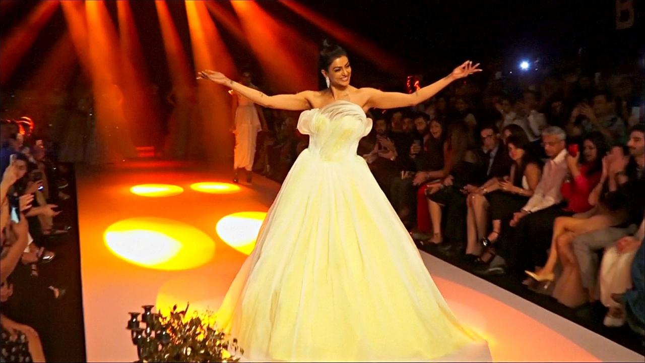 Неделю моды Bombay Times украсила бывшая Мисс Вселенная