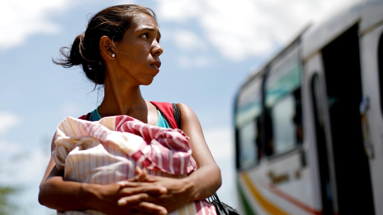 Венесуэльских мигрантов больше не хотят принимать за границей