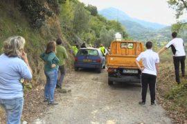 Во французских Альпах две деревни отрезаны от цивилизации