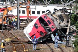 Президент Тайваня встретилась с родственниками жертв крушения поезда