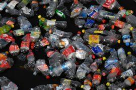 Европарламент одобрил запрет на 10 видов изделий из пластика