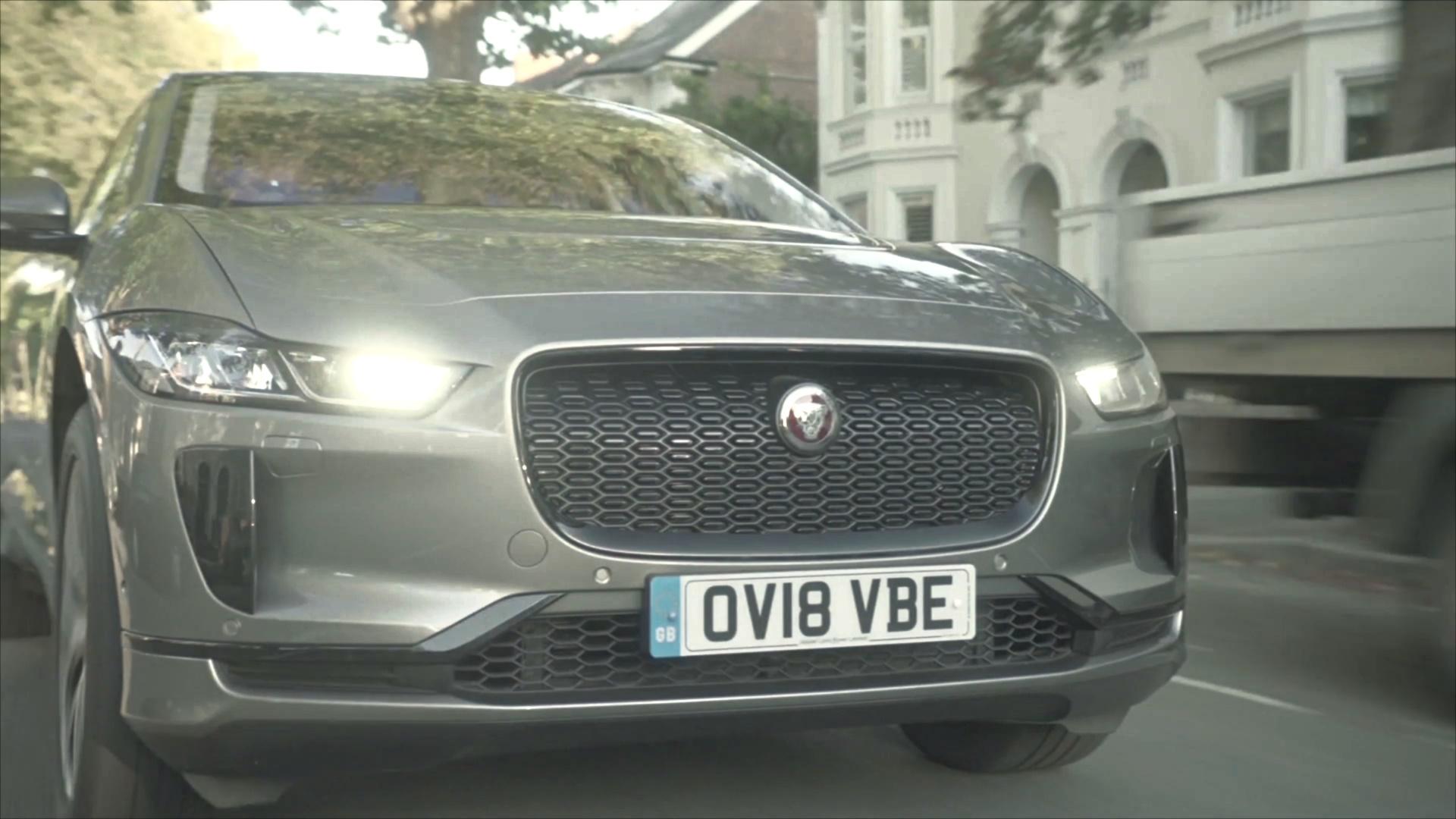 Jaguar I-Pace обзавёлся звуковым сигналом для незрячих пешеходов